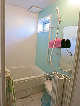 店舗付住宅(建物全部)-北佐久郡軽井沢町大字長倉 2階にもトイレ、洗面、浴室があり、大家族の方にも対応可能。