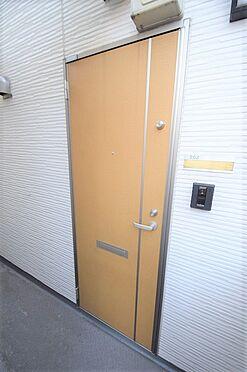 アパート-江戸川区北小岩6丁目 玄関扉はダブルロックタイプで防犯性あり