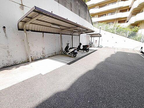 マンション(建物一部)-神戸市北区松が枝町1丁目 バイクや自転車も置けます。