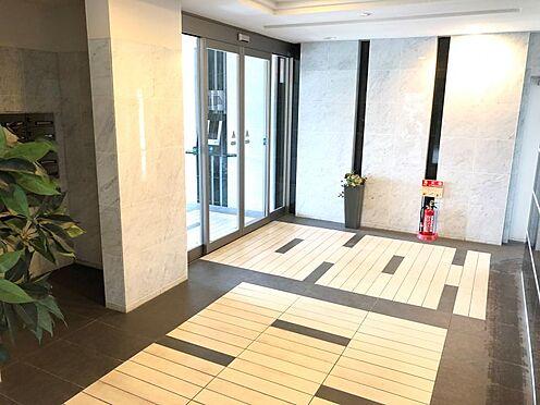 中古マンション-名古屋市緑区八つ松2丁目 高級感のあるエントランスでお客様をお迎え致します。