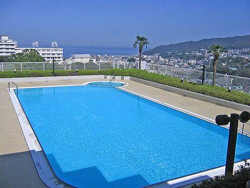 中古マンション-伊東市岡 リゾート感のある屋外プールです。