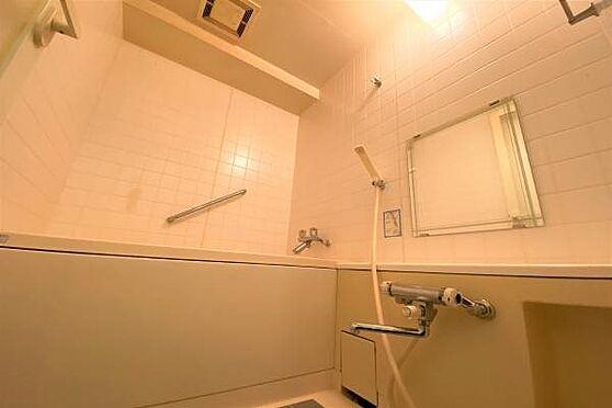 リゾートマンション-熱海市上多賀 浴室:温泉大浴場がある為あまり使用感のない浴室。ペットの足洗い場としても利用可能。