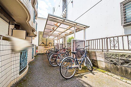 アパート-浦安市富士見2丁目 屋根付き駐輪場。