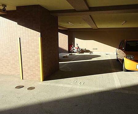 マンション(建物一部)-北九州市小倉南区中曽根1丁目 屋根付き駐車場2台可♪