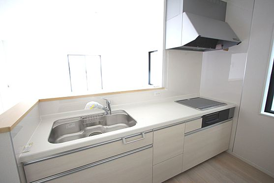 新築一戸建て-大和高田市南今里町 お子様やお年寄りでも安心して調理できるIHクッキングヒーター。オール電化住宅です。