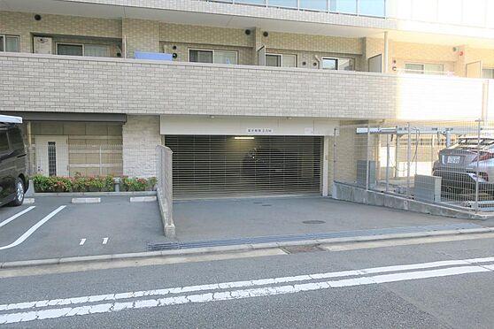 マンション(建物一部)-横浜市中区寿町1丁目 ゲートシャッター付きの駐車場