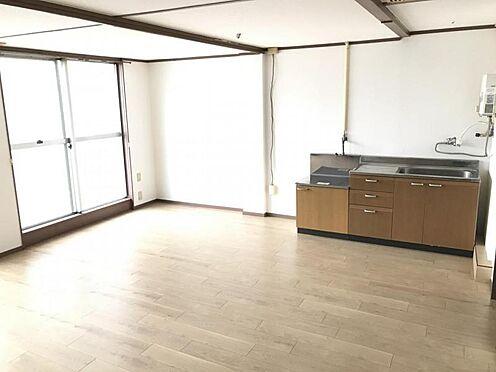 区分マンション-名古屋市名東区明が丘 これだけの広さが確保できるのでダイニングテーブルを置いても広々快適に過ごせそうですね。