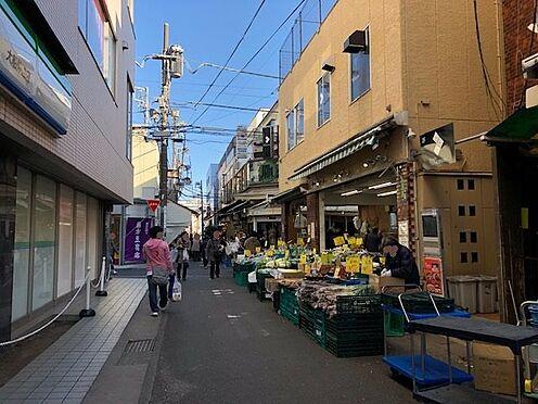 土地-鎌倉市小袋谷1丁目 古き良き商店と新しい商店が融合した商店街