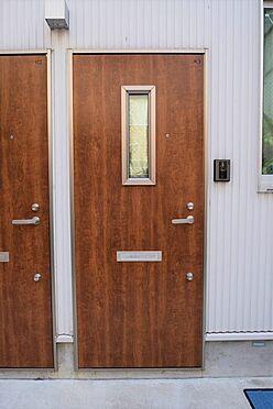 アパート-大田区久が原2丁目 木目調のおしゃれなドア