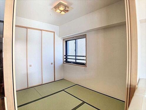 区分マンション-名古屋市東区白壁4丁目 小さなお子さまのいる方におすすめ!リビング横に和室のあるタイプの間取りです。