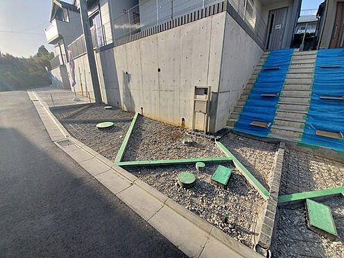 新築一戸建て-町田市金井7丁目 工事途中です。しっかり土間で仕上がりますのでご安心ください。