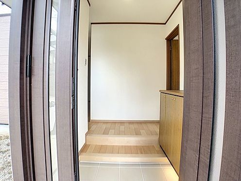 中古一戸建て-知立市牛田町小深田 シューズボックス付きなので、片付いた玄関をキープできます