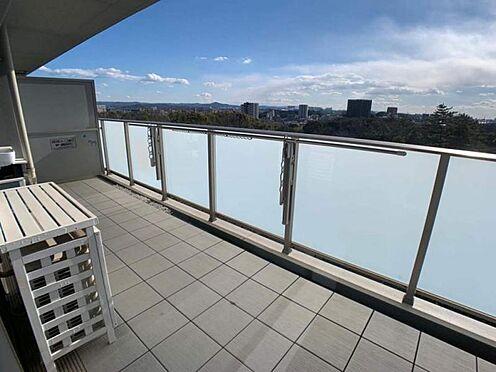 中古マンション-豊田市小坂町1丁目 南からの陽をたっぷり浴びるバルコニーで、洗濯物もしっかり乾かせます!