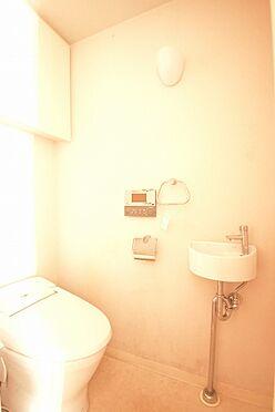 区分マンション-港区芝浦2丁目 手洗水栓付きのトイレ