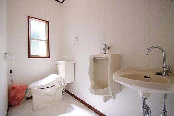 中古一戸建て-熱海市上多賀 トイレもクロスも交換してあります。南側に窓があり、換気と採光に良いです。
