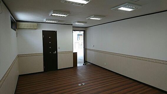 店舗・事務所・その他-平塚市諏訪町 1階防音室約15.7帖です。奥から入口方向撮影しました。音楽教室・撮影スタジオ向きです。
