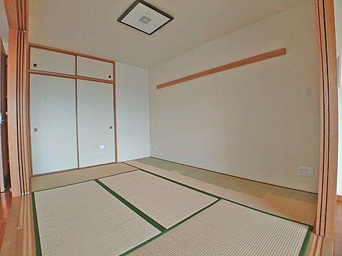 中古マンション-伊東市八幡野 リビングダイニングスペースに隣接した和室です。