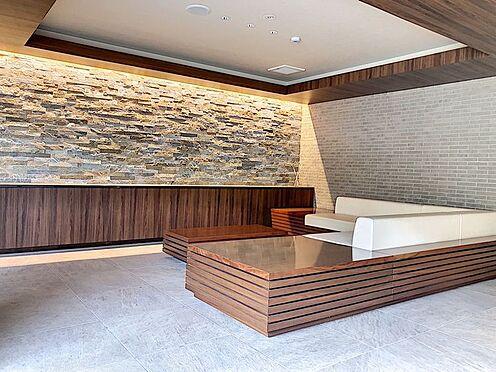区分マンション-東海市高横須賀町御洲浜 ロビーには談話スペースがあるので待ち合わせにも使えます!
