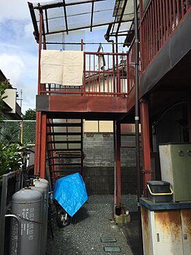 アパート-磐田市西貝塚 1階より2階を見た状況