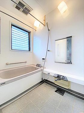 中古一戸建て-福岡市城南区茶山1丁目 ゆとりある浴室です☆