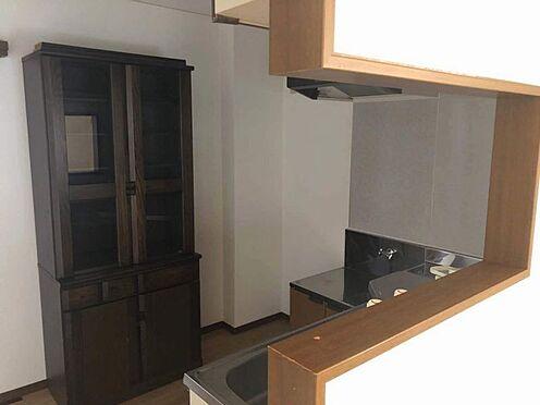 中古一戸建て-名古屋市名東区引山1丁目 1階キッチン カウンターキッチンでリビングでの様子を見ることができます