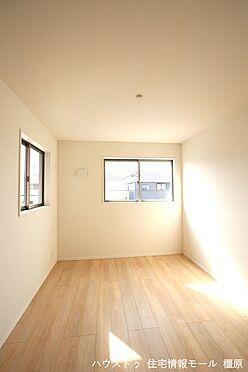 戸建賃貸-磯城郡田原本町大字阪手 洋室は全て2面採光。明るさを確保し、風通しも問題ありません。(同仕様)