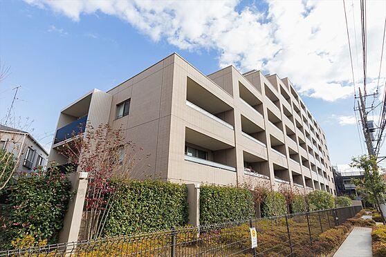 区分マンション-川崎市中原区小杉御殿町2丁目 建物外観。2012年築、総戸数74戸のマンションです。