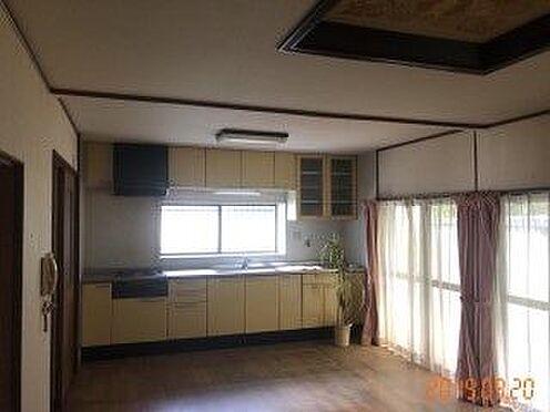 中古一戸建て-豊田市藤岡飯野町釜下 窓付きのキッチンでお料理の匂いや熱気を逃すことができます