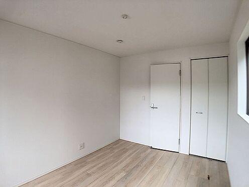 戸建賃貸-名古屋市北区如来町 木目のフローリングが暖かみのある室内に。