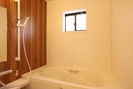 中古一戸建て-刈谷市小山町5丁目 広々とした浴室です!1日の疲れた体を癒してくれます!