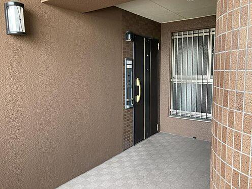 区分マンション-名古屋市中川区新家2丁目 玄関も広々していて出入りも楽々!