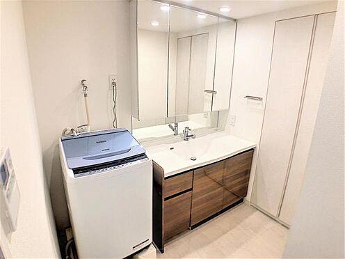 中古マンション-名古屋市名東区社台3丁目 収納たっぷりな洗面台!