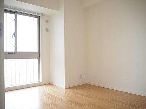 中古マンション-日野市旭が丘3丁目 洋室約5.5帖、天井・壁クロス新規張替、フローリング新規貼替、巾木交換