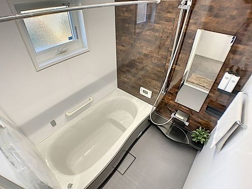 戸建賃貸-西尾市吉良町木田祐言 浴室乾燥機付きで雨の日でも気にせずお洗濯できます。