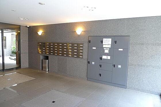 マンション(建物一部)-大田区西糀谷4丁目 共用部 留守でも安心な宅配ボックスと集合ポストがあります