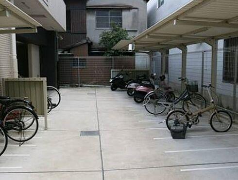 中古マンション-大阪市東成区東小橋1丁目 雨の日も乗り降り楽々屋根付き駐輪場です
