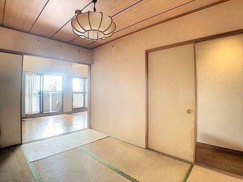 中古マンション-名古屋市守山区緑ヶ丘 リビングからの続きの和室で便利です。