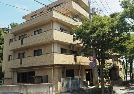 区分マンション-神戸市長田区長者町 緑ある穏やかな雰囲気の街並み