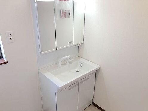 新築一戸建て-みよし市三好町荒池 キッチンから洗面室にすぐ移動できます!(こちらは施工事例です)