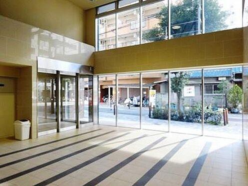 マンション(建物一部)-大阪市東淀川区東中島1丁目 日当たり良好なエントランス。
