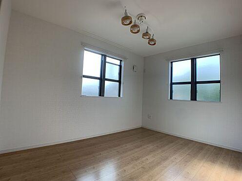 中古一戸建て-知多市南巽が丘4丁目 寝室や子供部屋としてのご利用にも適した洋室です