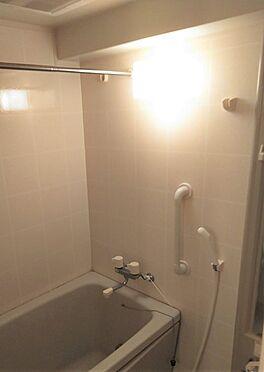 中古マンション-品川区小山6丁目 バスルーム。浴室乾燥機付き。
