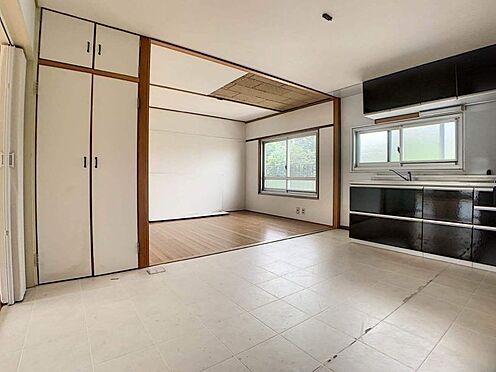 区分マンション-豊田市平和町4丁目 キッチンには窓もあるので、空気がこもることなく換気をしていただけます。