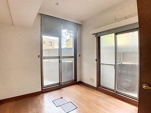 中古マンション-名古屋市瑞穂区松月町5丁目 専有面積96.27平米と開放的な室内です。