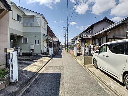 戸建賃貸-名古屋市中村区角割町3丁目 しっかり舗装もされているので、ベビーカーや自転車で通っても快適に通行できます!