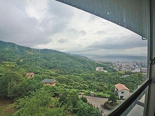 中古マンション-伊東市岡 お部屋から右方面の眺めです。