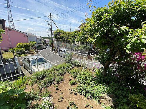 中古一戸建て-八王子市南陽台1丁目 お庭です。豊富な植栽があります。