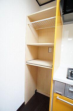 アパート-大田区本羽田2丁目 2F キッチンの家電収納棚(平成30年4月撮影)