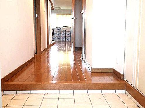 中古マンション-伊東市富戸 [玄関]フローリングが綺麗です。