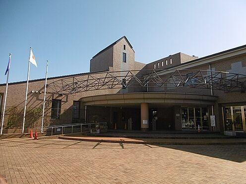 戸建賃貸-多摩市聖ヶ丘3丁目 多摩市立聖ヶ丘図書館(590m)